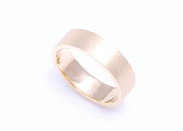 18ct yellow gold wedding ring with satin texture