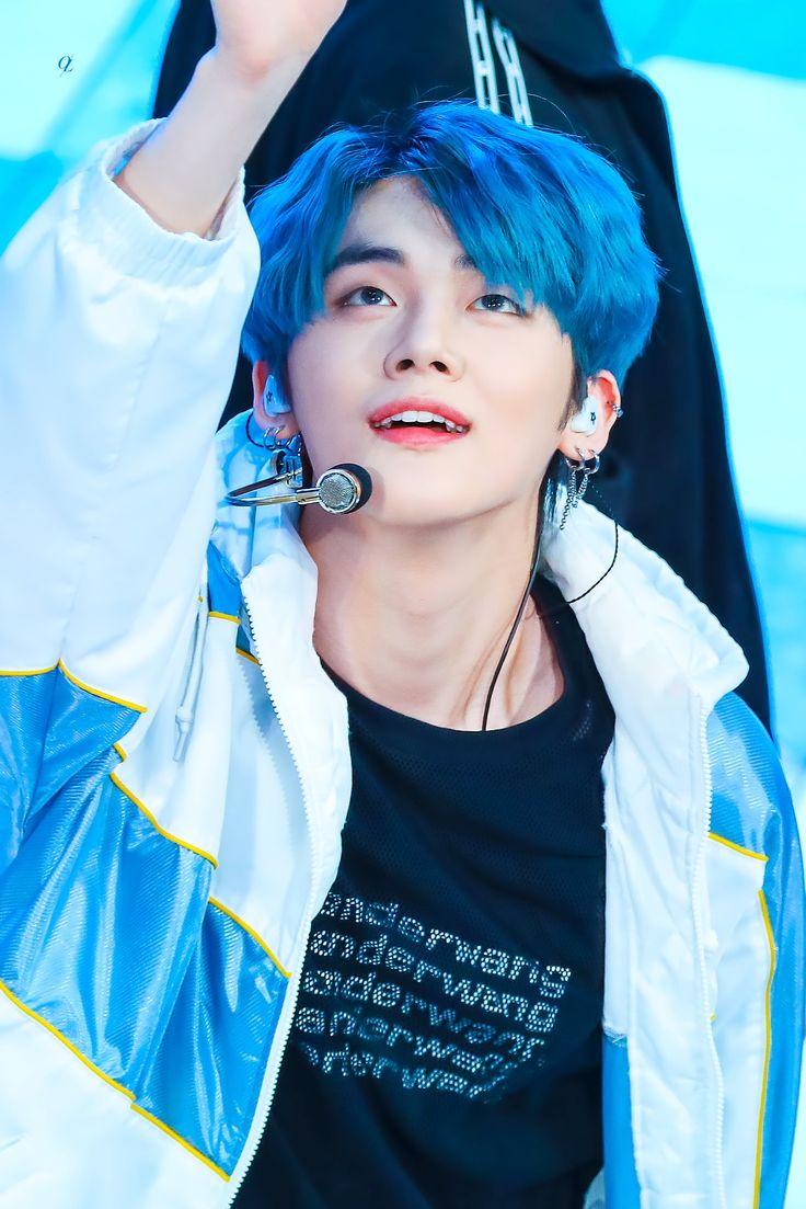 Choi Yeonjun Pics On Twitter In 2020 Blue Hair Boys