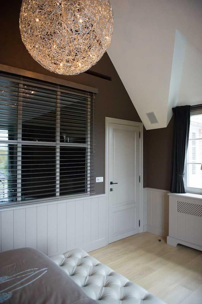 Master bedroom met binnenraam (Ontwerp: Leen Jacobs - Crejalee.be)
