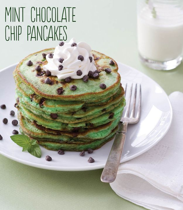 St. Patrick's Day Breakfast: Mint Chocolate Chip Pancakes. Oh my! I need to try these!