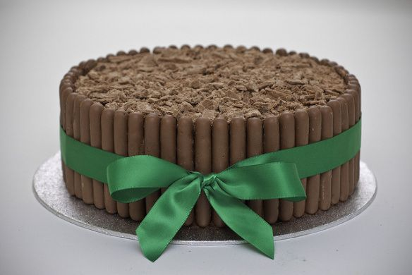 #TopTipTuesdays Here's a tip. Next time you make a cake, put Cadbury Dairy Milk Chocolate Fingers around the edge!  Click the link to get yours delivered to where ever it is in the world that you live! http://www.britishfoodstoreonline.co.uk/products/Cadbury-Milk-Chocolate-Fingers-150g.html