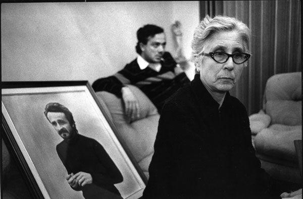 Felicia Impastato con il ritratto del figlio Peppino, foto di Letizia Battaglia