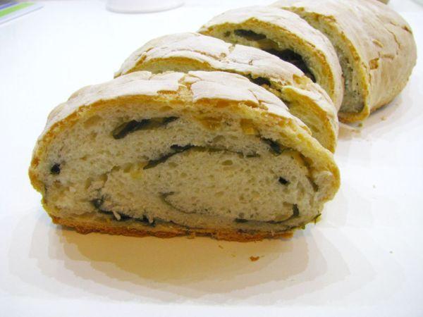 Jogurtový chlieb s medvedím cesnakom - Tento recept najdete na http://chalupnikovi.com/recepty/?p=4637