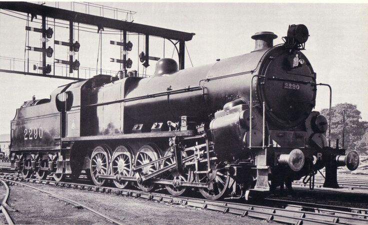 LMS (MR) 'Fowler' class 9F 0-10-0 No 2290 ('Big Bertha')