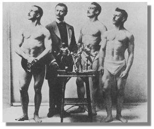 La prima gara di #bodybuilding della storia!