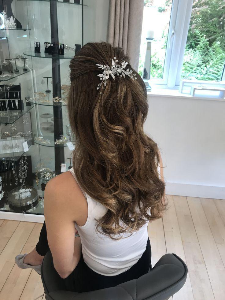 Hälfte nach unten, Hochzeitsfrisuren, Brauthaar, langes Haar, Brautfrisur