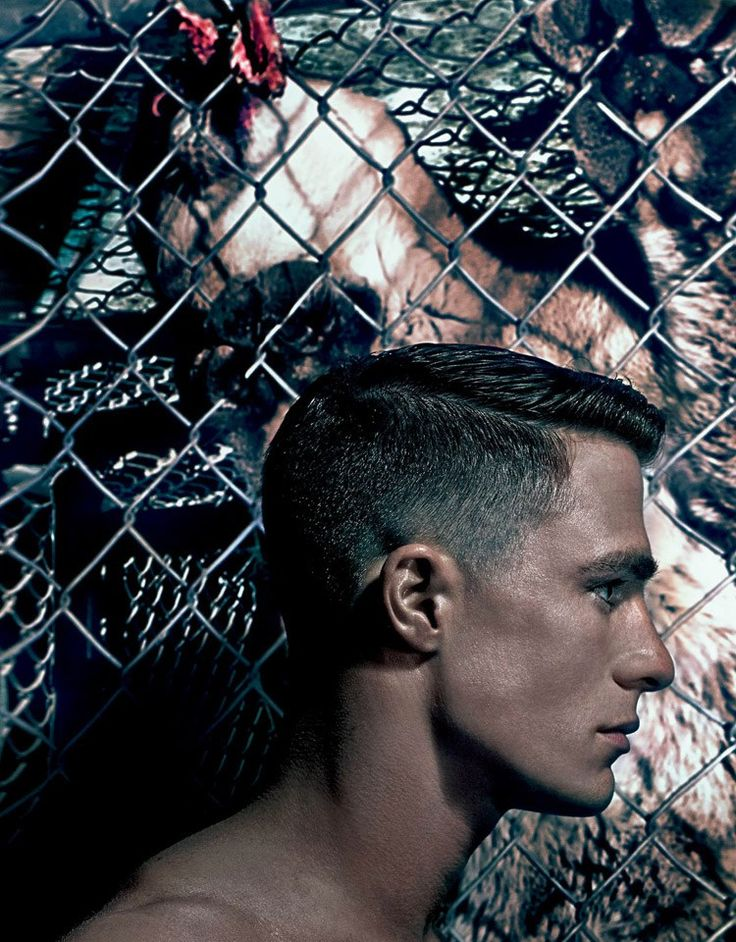 El modelo ahora actor Colton Haynes es el protagonista de la nueva editorial para VMan Magazine fotografiada por el master Steven Klein y estilismo de Nicola Formichetti, total looks Diesel por supuesto.