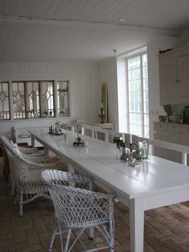 395 best d i n n i n g r o o m images on pinterest for Black n white dining rooms