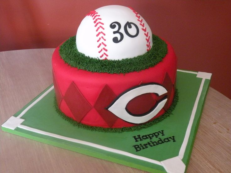 Cincinnati Reds Baseball Cincinnati Reds baseball cake for a 30th birthday