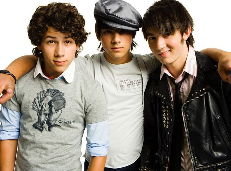Happy 10-year Jonasversary! We were slipping into the lava-trying to keep from going under, then the Jonas Brothers turned the temperature hotter & for 10 years we've been burnin' up, burnin' up for Kevin, Nick, and Joe, baby. 🔥 (📷: Hollywood Records)
