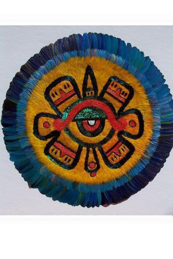 El arte plumario mesoamericano, un tradicion a punto de extinguirse en nuestro país.