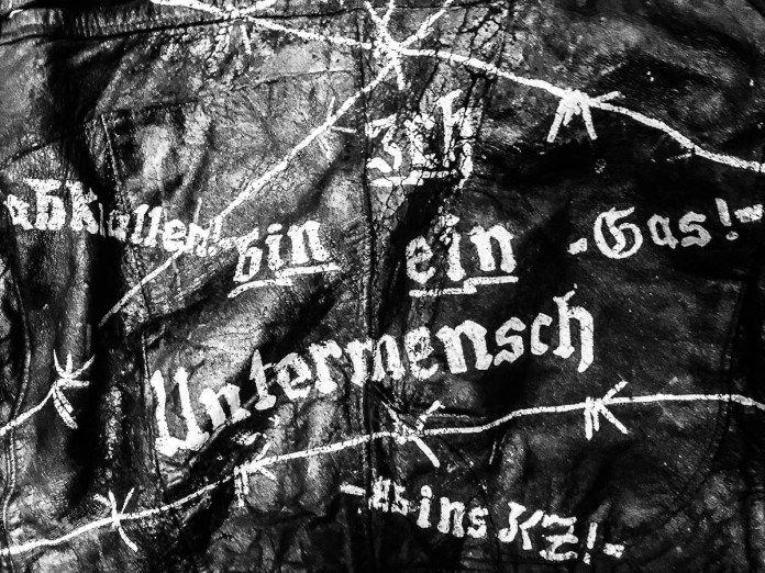"""Mehr HACKFLEISCH: """"Stahlgeschütze für Untermenschen (1): Adler, ich und die Vernichtung der Welt"""". Ein Blick in die Jahr 1988-82 mit Schwänken über die Chaostage, Hannover, Wuppertal und ein Magazin namens FANTASTRIPS! http://www.karlnagel.de/adler-vernichtung-der-welt/"""