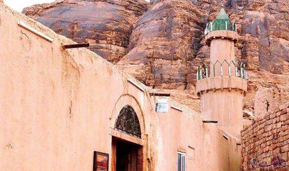 السعودية تكشف عن خ طتها وضع مدينة العلا على خريطة السياحة العالمية Road Structures Alley