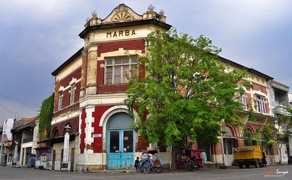 Merah Merona Khas Marba : http://johansurya.semarangkota.com/architecture/merah-merona-khas-marba/