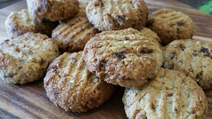 Thermotwinning: Melt-in-your-mouth Oaty Date Cookies