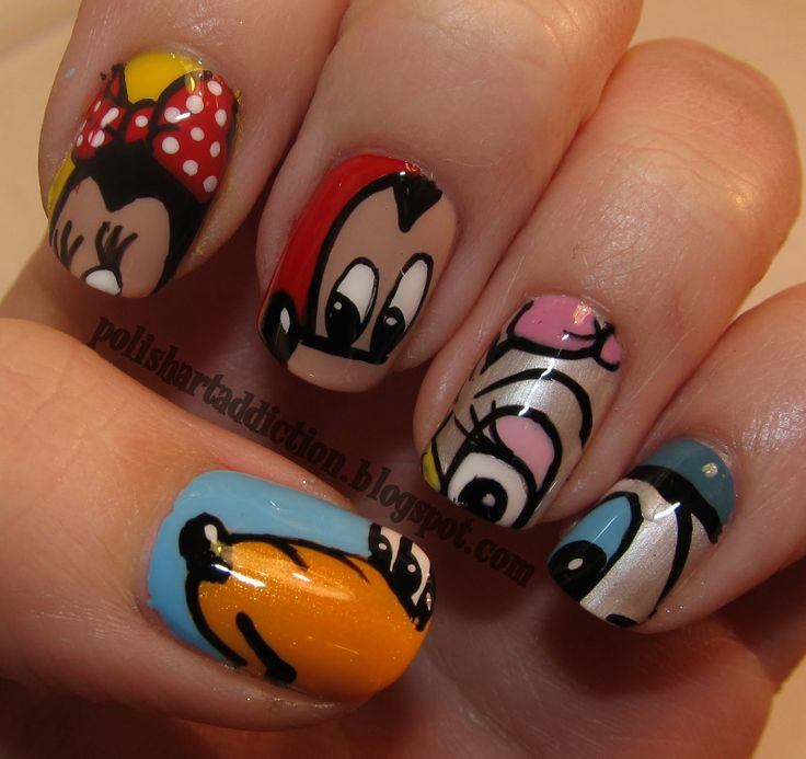i am definitely getting this manicure before my next disney visit :)