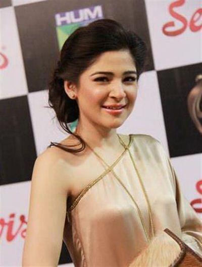 Beautifull Pakistani women ayesha omer