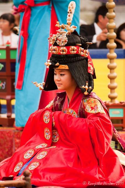 한복 Hanbok : Korean traditional clothes[dress]   Korean Bride