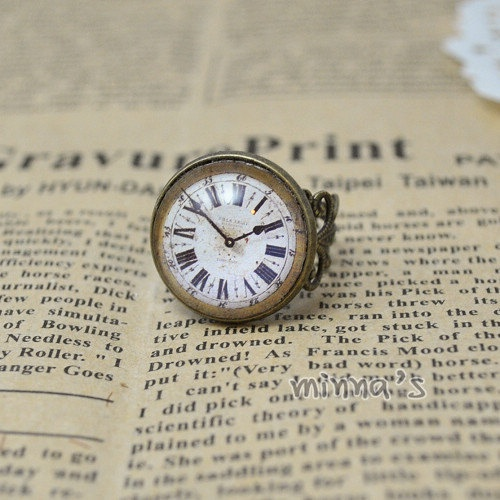 Old Clock Ring.  I want one of these!!