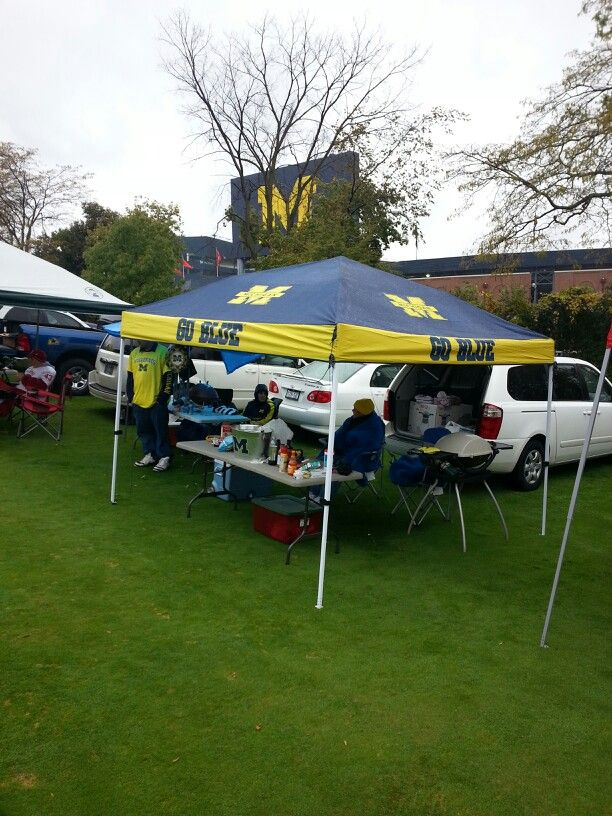 Our Michigan tailgate & 19 best Michigan Tailgating images on Pinterest | Michigan ...