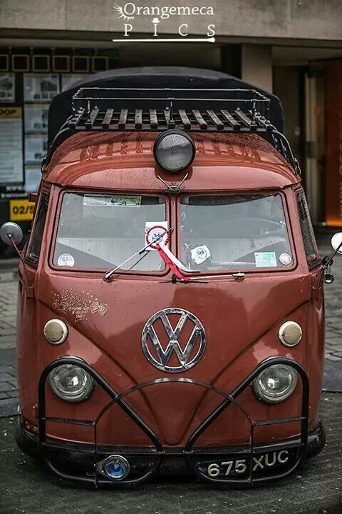 Volkswagen Rescue Van... love the center light, looks like a train.