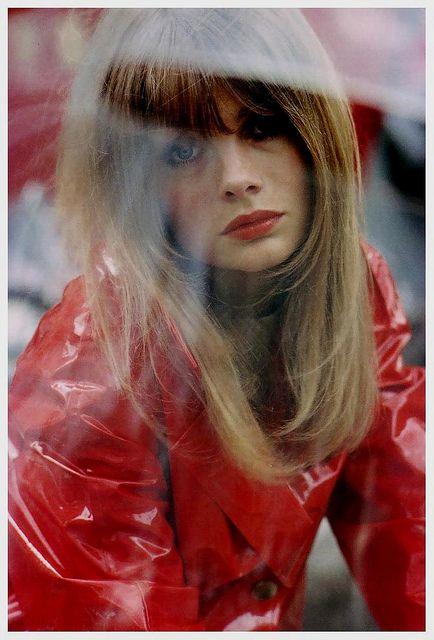Photo by Saul Leiter, 1966.  #JeanShrimpton