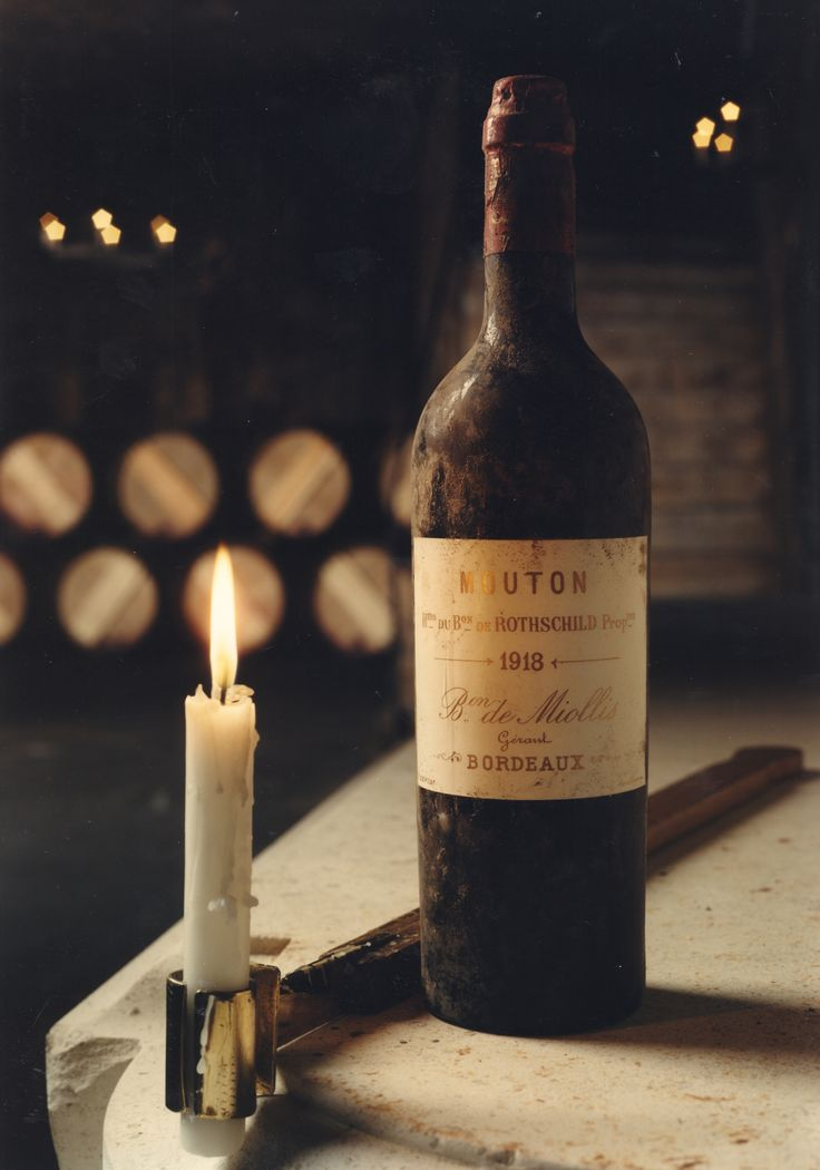 LEGENDARY WINES -         Château Mouton Rothschild 1918...