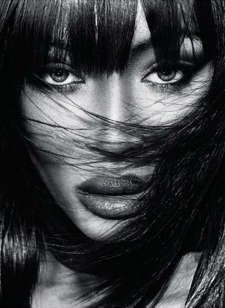 NAOMI CAMPBELL, A SAVAGE AND WILD BEAUTY. There is mysterious connection about Naomi and leather. She seems to ignite desires and emotions, and provokes the senses, when leather comes in contact with her exotic and captivating beauty.  READ MORE ABOUT IT IN OUR MAGSC; http://www.stylecode.es/espaciosc/espaciosc.php?id=3