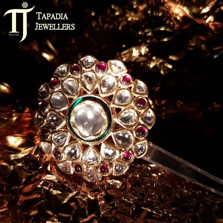 #CelebrateWithTJ A touch of timeless and tender treasures is what you need this #Diwali. Happy Dhanteras!!  #FestiveStory #TapadiaJewellers #Dhanteras #Diwali #Jewellery