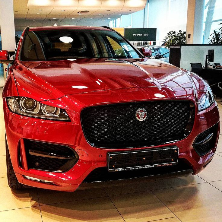 Red&Black F-pace....beautiful  #carpictures#carlovers#vehicles#photooftheday#photographer#instagood#instaday#машины#авто#инста#autos#drive#drive2#фотограф#cars#power#enjoy#beauty#fastandfurious#jaguarlandrover#engine#mechanics#reallife#offroad#usa#uk #ukcars #jaguar#fpace#luxurycars#vehicles http://unirazzi.com/ipost/1497710203632650967/?code=BTI7364AIrX