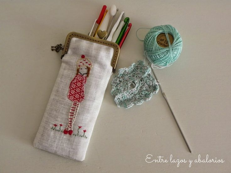 Entre lazos y abalorios : Tardes de costura: Carteras con boquilla para mis ganchillos y mis agujas de calcetar
