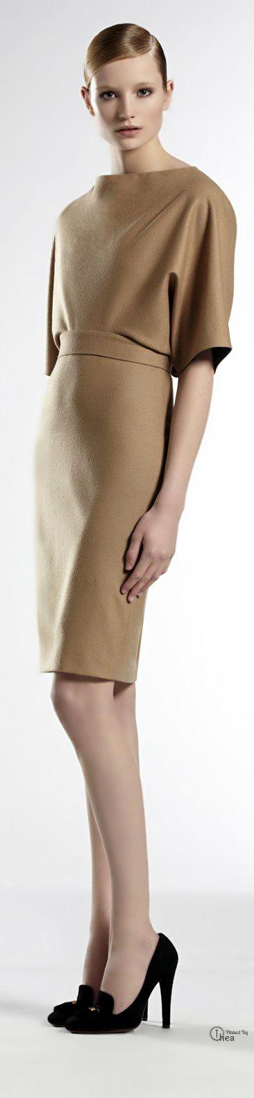 Gucci ● Beige Cape Dress
