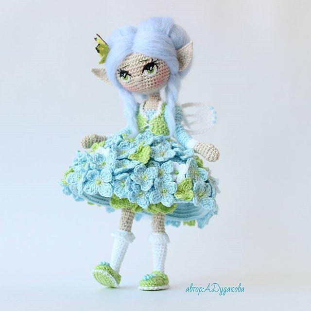 Кокетничает ) __________________________________Каркасная кукла. Итальянский хлопок. Рост 18 см. Дом нашла