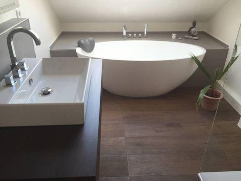Einbau-Dokumentation eines Badeloft-Kunden anhand der freistehenden Badewanne BW-04 : Moderne Badezimmer von Badeloft GmbH