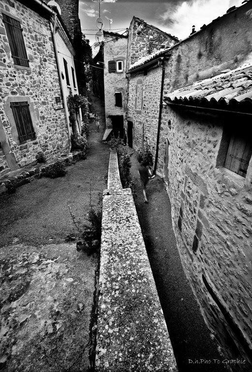 Le très beau village de Rosans, Hautes-Alpes, Provence des montagnes, Baronnies Provençales, Provence