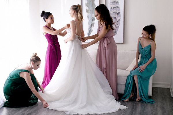 Getting ready for the wedding  #wedding #weddings #weddinginspiration #engaged #aislesociety #weddingtrends