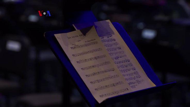 Seorang mantan pemain trombon profesional yang telah berkarir bersama sejumlah orkestra kenamaan di kota New York tergerak untuk berkarir di balik layar dan menggunakan pengalaman musiknya untuk kegiatan kemanusiaan. Tim VOA mengajak Anda berkenalan dengan David Titcomb lewat liputan berikut.  Di YouTube: https://youtu.be/0i9OvoFYLKU