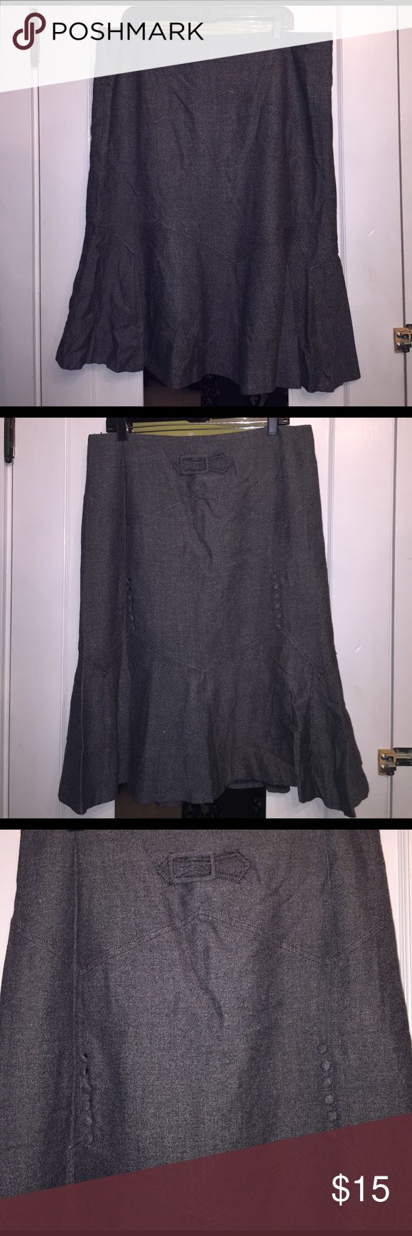 Plus Size wiggle skirt Sz 20 Plus Size wiggle skirt Sz 20. Florence hem and super sexy back detail. Put your hair in a bun, a red side tie Blouse and some heels 👠.....honey. That has naughty secretary written all over it.  26'in long. Excellent Condition. Metro Style Skirts Midi
