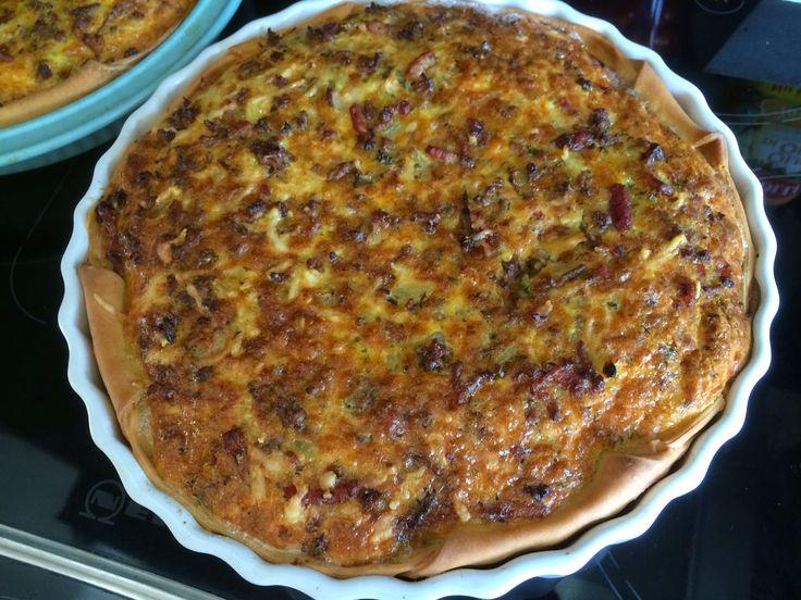 Hartige taart - quiche- met gehakt, ui, spekjes en meer