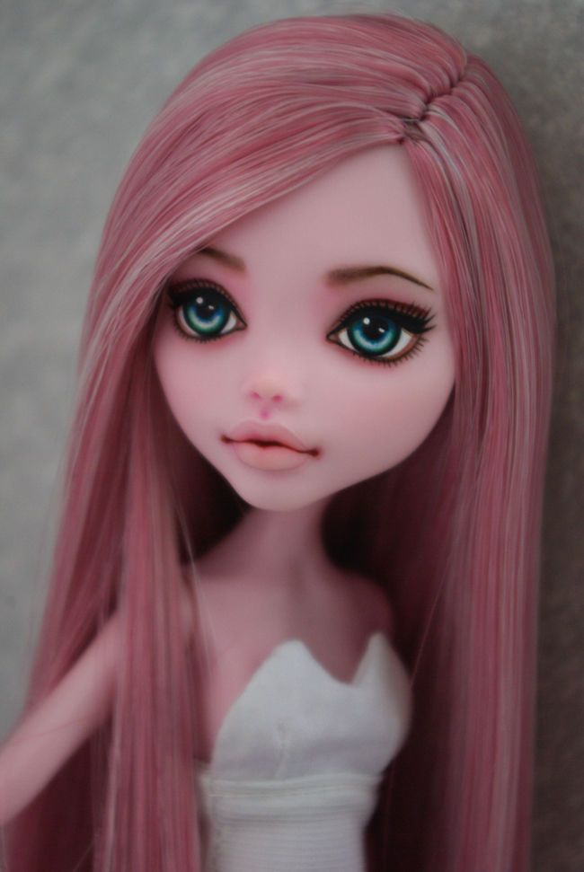 OOAK Monster High Draculaura  custom Repaint by Hyangie