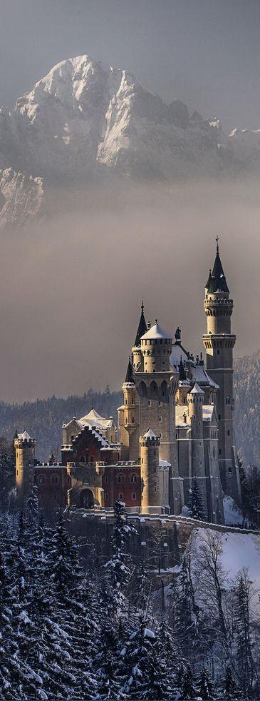 Neuschwanstein Castillo, Baviera, Alemania. Puedes ampliar la información de…