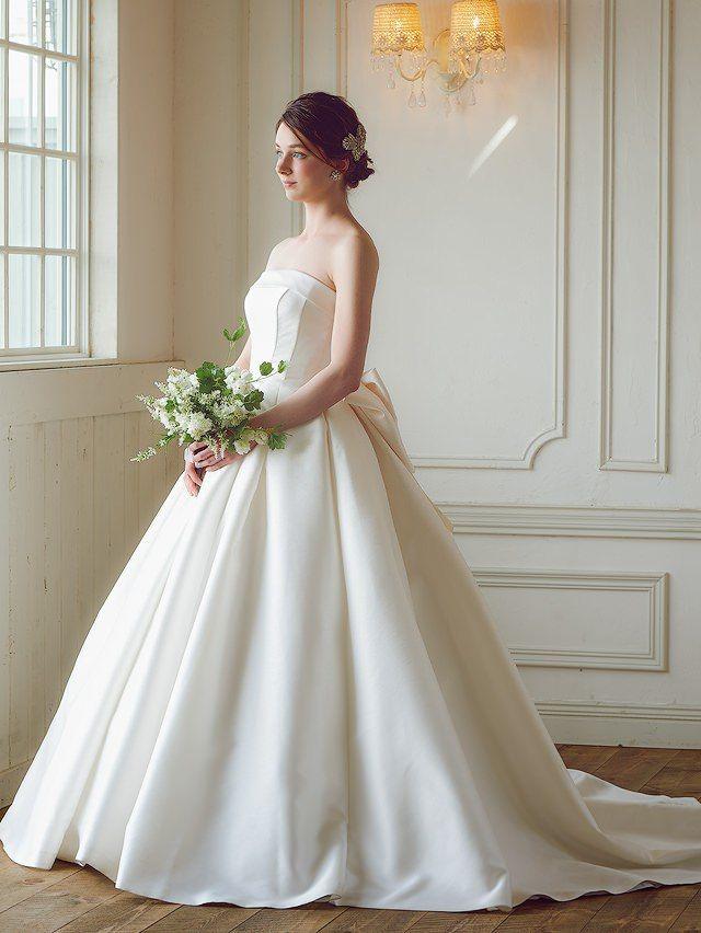 ミカドサテンのAラインウェディングドレス   Cinderella & Co.(シンデレラ・アンド・コー)