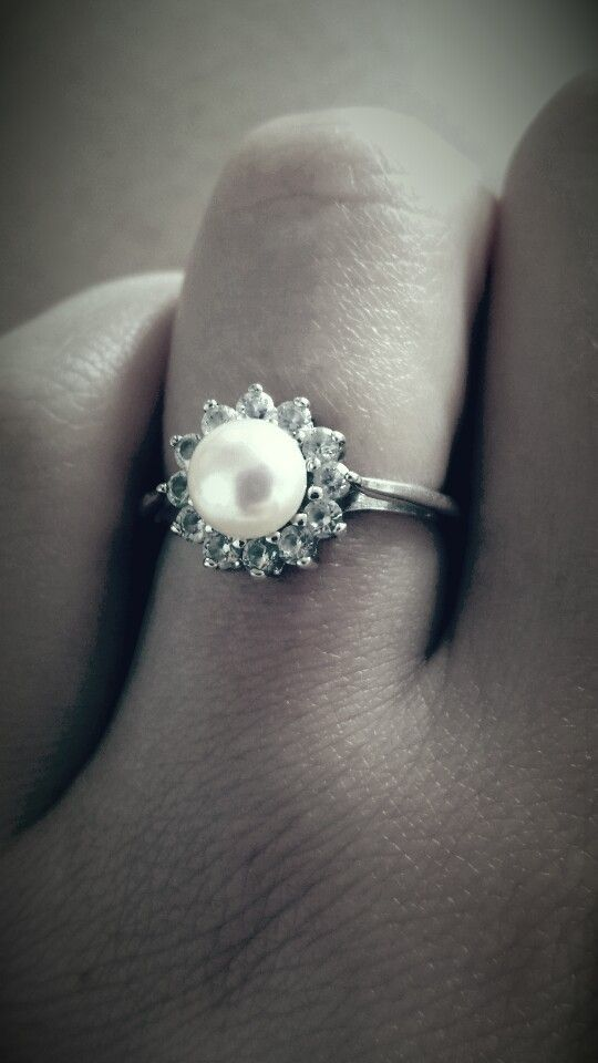 diamond and pearl wedding rings 2015