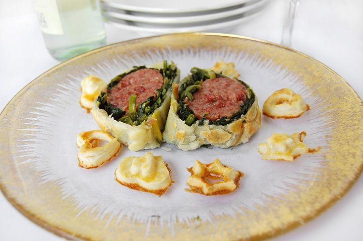Ricetta Cotechino con spinaci in crosta di pasta sfoglia