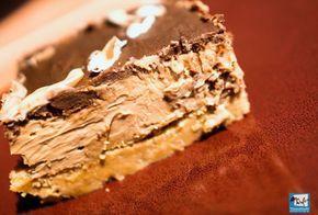 Εύκολο και κολασμένα νόστιμο cheesecake, με τη σοκολάτα να λιώνει στο στόμα σου...
