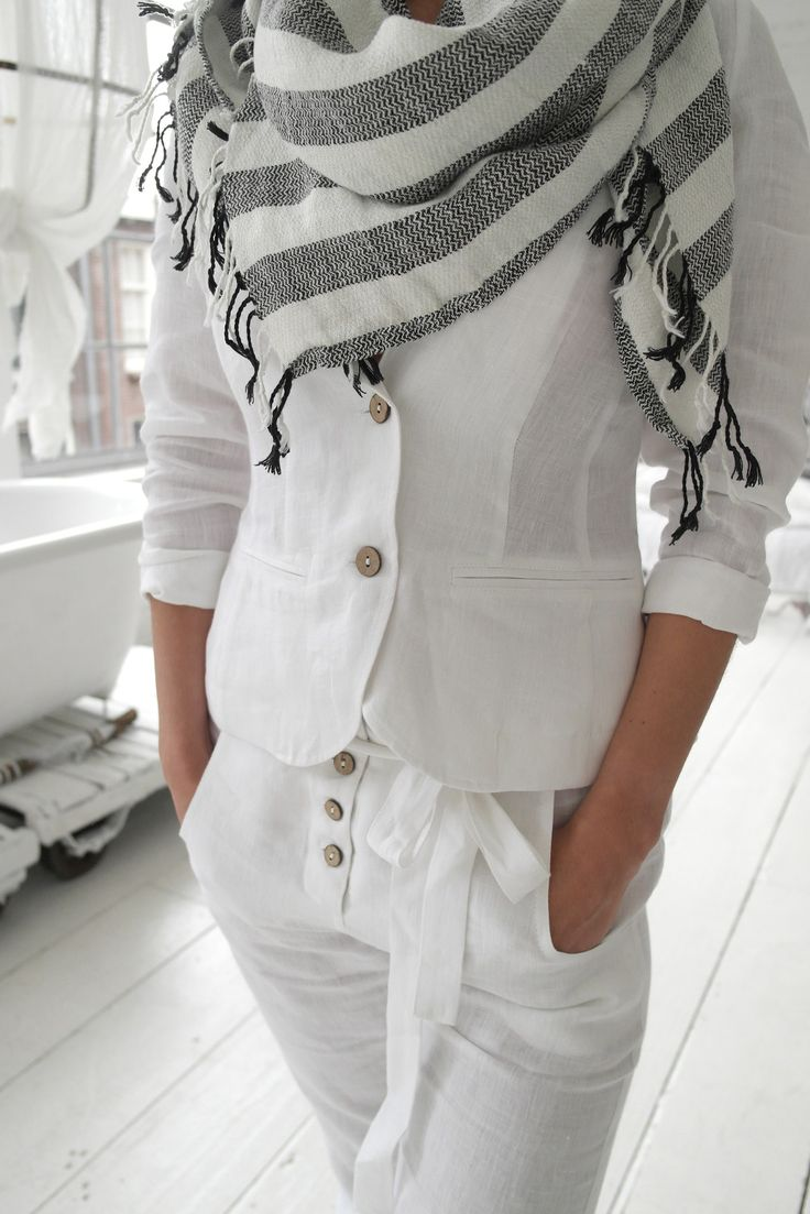 ♡ A wear it once outfit. Surely you will stain it on the first day in public; right? :-)
