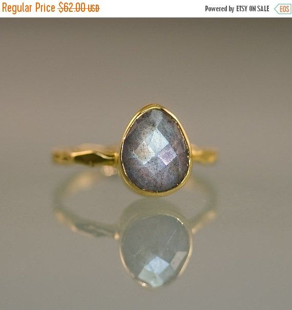 Hey, I found this really awesome Etsy listing at https://www.etsy.com/listing/113112268/sale-labradorite-ring-gold-solitaire