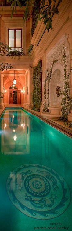 Pool, Tuscan style