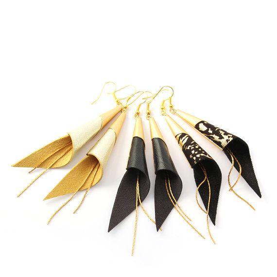 """boucles d'oreilles cuir """" arum """" - bijoux plaqué or - boucles d'oreille cône - noir et champagne doré - bijoux élégant - bijoux soirée -"""