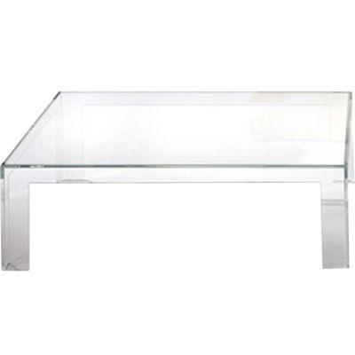 - Invisible soffbord från Kartell, design av Tokjuin Yoshioka är ett kvadratiskt bord med rena linjer. Bordet är formgjutet i ett enda stycke och tillverkad av polykarbonat, vilket säkerställer dess stabilitet. Fungerar lika bra inne som ute.